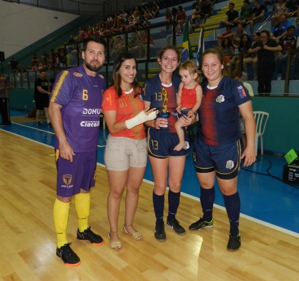 A entrega da premiação foi feita pelo secretário e diretor da Secretaria de  Esportes e Lazer de Marechal Rondon Cristiano Metzner 420e352e87ef3